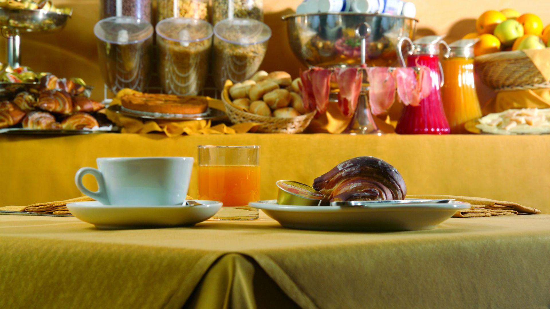 appia-park-hôtel-petit-déjeuner-02