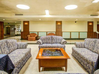 appia-park-hotel-rome-hall-13